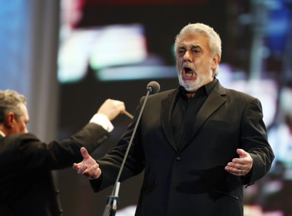 Spanish tenor Placido Domingo performs during a free open-air concert along the 9 de Julio Avenue next to the Obelisk, in Buenos Aires on March 24, 2011. Photo by Martin Acosta/Reuters